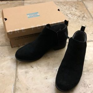 Toms Black Suede Booties size 8